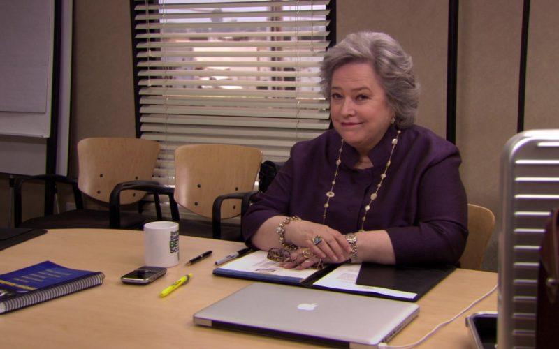 Apple MacBook Pro Laptop Used by Kathy Bates (Jo Bennett) in The Office (2)