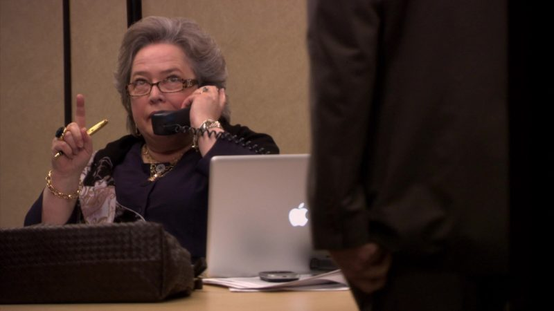 """Apple MacBook Pro Laptop Used by Kathy Bates (Jo Bennett) in The Office – Season 6, Episode 19, """"St. Patrick's Day"""" (2010) - TV Show Product Placement"""