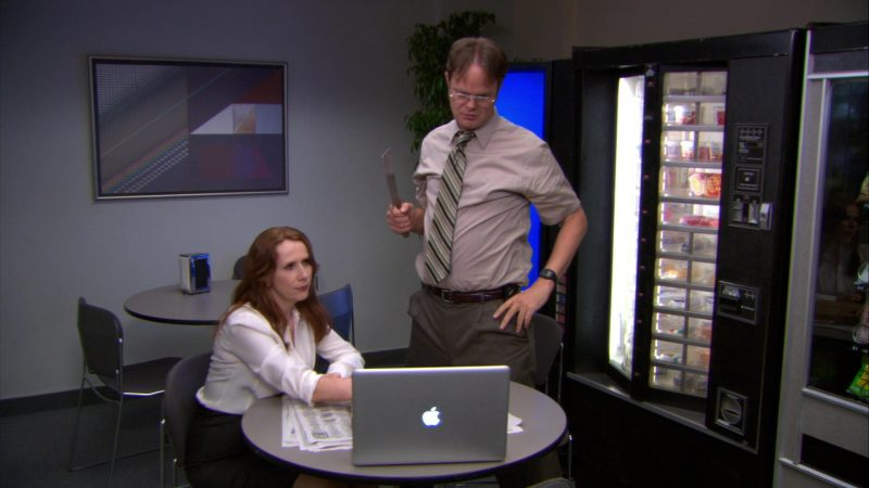 """Apple MacBook Pro Laptop Used by Rainn Wilson (Dwight Schrute) & Catherine Tate (Nellie Bertram) in The Office – Season 9, Episode 2, """"Roy's Wedding"""" (2012) - TV Show Product Placement"""