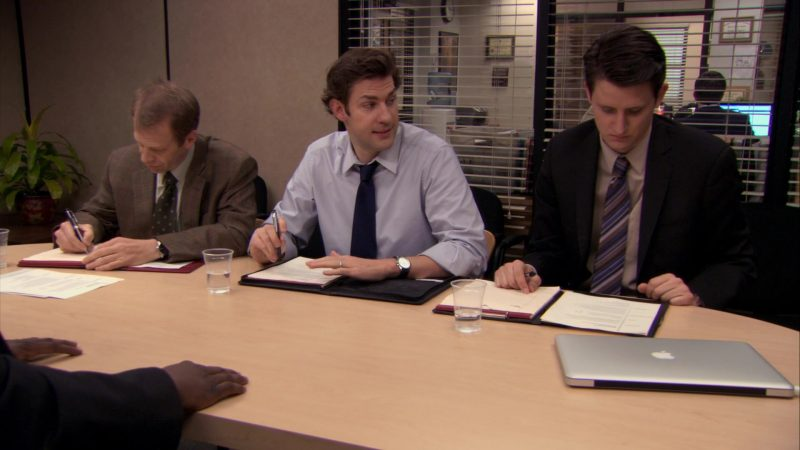 "Apple MacBook Pro Laptop Used by Zach Woods (Gabe Lewis) in The Office – Season 7, Episodes 25-26, ""Search Committee"" (2011) - TV Show Product Placement"