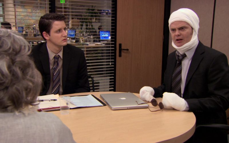 Apple MacBook Pro Laptop Used by Zach Woods (Gabe Lewis) in The Office (6)