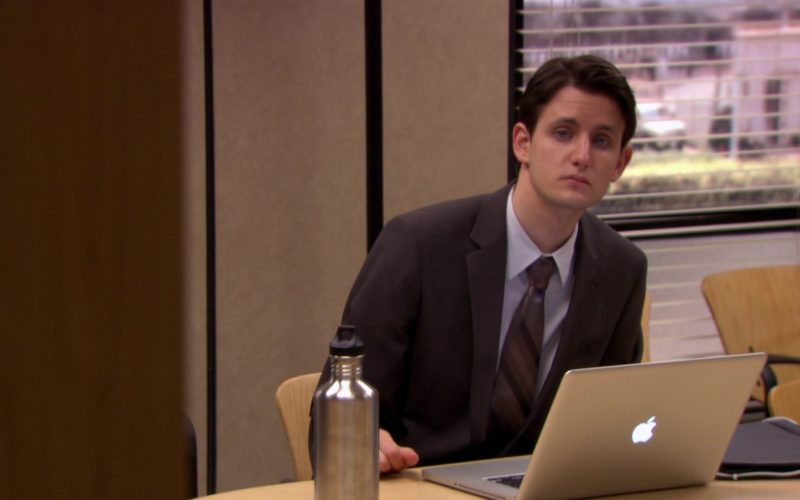Apple MacBook Pro Laptop Used by Zach Woods (Gabe Lewis) in The Office (8)