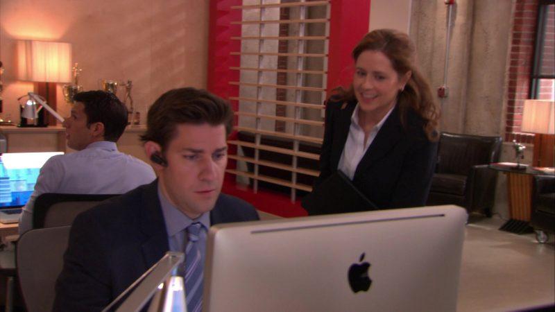 "Apple iMac Computer Used by John Krasinski (Jim Halpert) in The Office – Season 9, Episode 16, ""Moving On"" (2013) - TV Show Product Placement"
