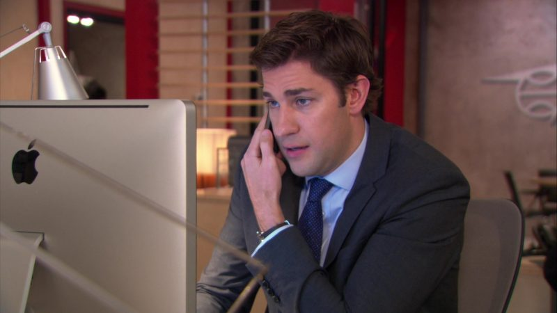 "Apple iMac Computer Used by John Krasinski (Jim Halpert) in The Office – Season 9, Episode 12, ""Customer Loyalty"" (2013) - TV Show Product Placement"