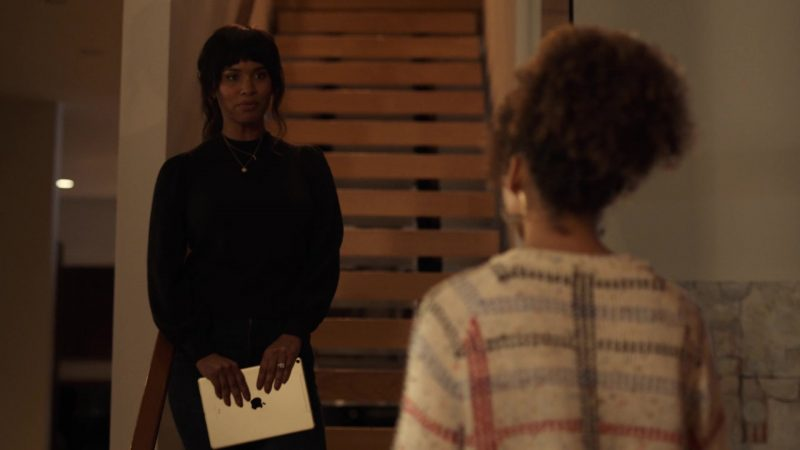 """Apple iPad Tablet Held by Joy Bryant in Trinkets - Season 1, Episode 8, """"Monday I'm in Love"""" (2019) - TV Show Product Placement"""