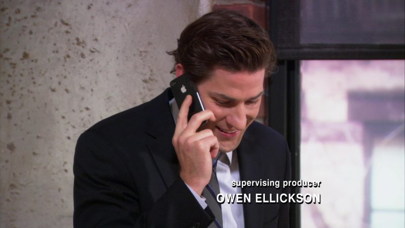 "Apple iPhone Smartphone Used by John Krasinski (Jim Halpert) in The Office – Season 9, Episode 10, ""Lice"" (2013) - TV Show Product Placement"