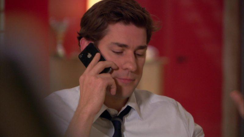 "Apple iPhone Smartphone Used by John Krasinski (Jim Halpert) in The Office – Season 9, Episode 12, ""Customer Loyalty"" (2013) - TV Show Product Placement"