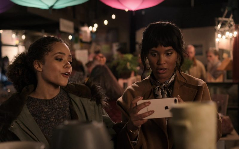 Apple iPhone Smartphone Used by Joy Bryant in Trinkets (1)