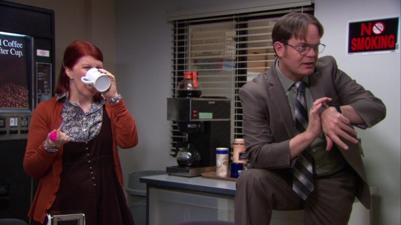 """BUNN Coffee Machine in The Office – Season 9, Episode 19, """"Stairmageddon"""" (2013) - TV Show Product Placement"""