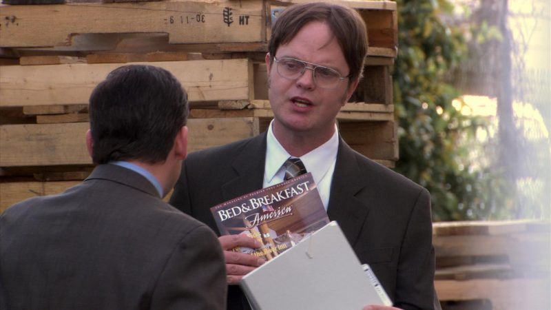 """Bed & Breakfast America Magazine Held by Rainn Wilson (Dwight Schrute) in The Office – Season 5, Episode 24, """"Heavy Competition"""" (2009) TV Show Product Placement"""
