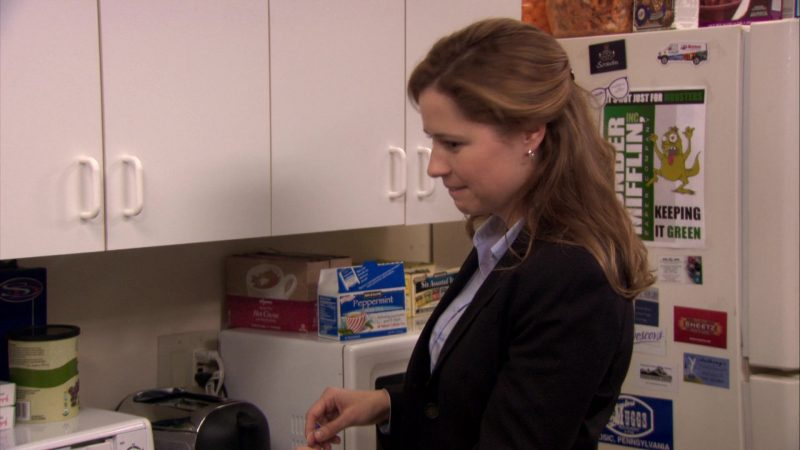 "Bigelow Peppermint Tea in The Office – Season 7, Episode 2, ""Counseling"" (2010) - TV Show Product Placement"