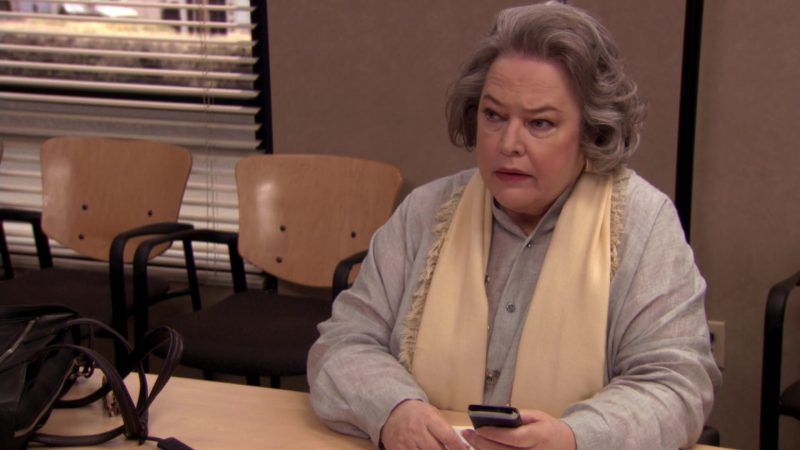 """Blackberry Mobile Phone Used by Kathy Bates (Jo Bennett) in The Office – Season 7, Episodes 25-26, """"Search Committee"""" (2011) - TV Show Product Placement"""