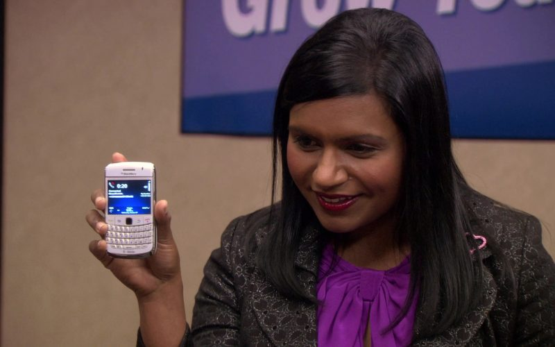 Blackberry White Mobile Phone Held by Mindy Kaling (Kelly Kapoor) in The Office (6)