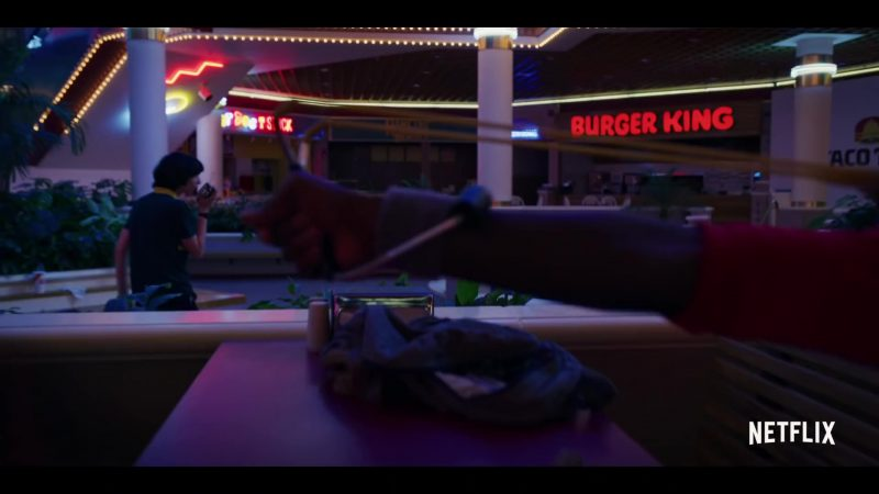 Burger King Restaurant Sign in Stranger Things - Season 3 (2019) - TV Show Product Placement