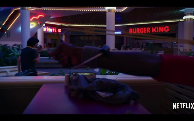 Burger King Restaurant Sign in Stranger Things – Season 3