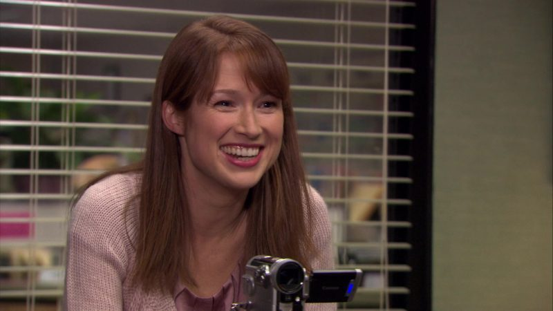 """Canon Camcorder Used by Ellie Kemper (Erin Hannon) in The Office – Season 7, Episode 13, """"Ultimatum"""" (2011) - TV Show Product Placement"""