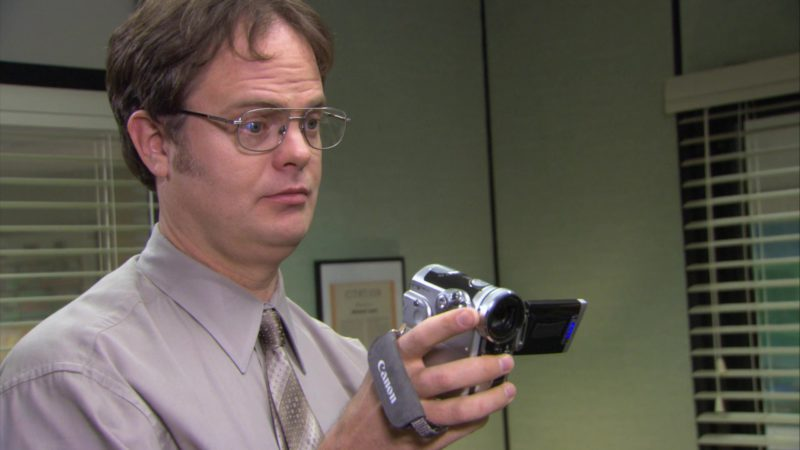 "Canon Camcorder Used by Rainn Wilson (Dwight Schrute) in The Office – Season 3, Episode 15, ""Ben Franklin"" (2007) - TV Show Product Placement"