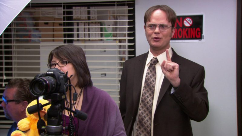 "Canon Camera in The Office – Season 8, Episode 24, ""Free Family Portrait Studio"" (2012) - TV Show Product Placement"