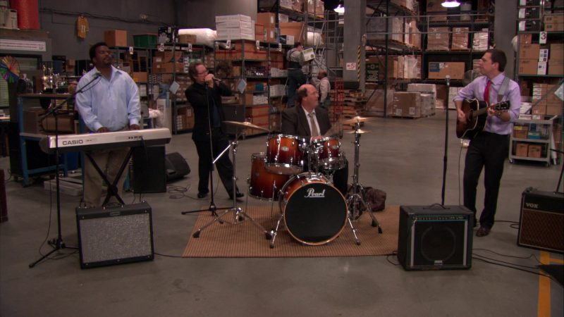 """Casio Digital Piano Used by Craig Robinson (Darryl Philbin) & Pearl Drums Used by Brian Baumgartner (Kevin Malone) in The Office – Season 8, Episode 7, """"Pam's Replacement"""" (2011) - TV Show Product Placement"""