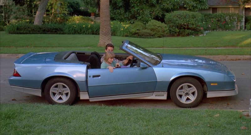 Chevrolet Camaro Blue Convertible Car in Beethoven's 2nd (1993) - Movie Product Placement