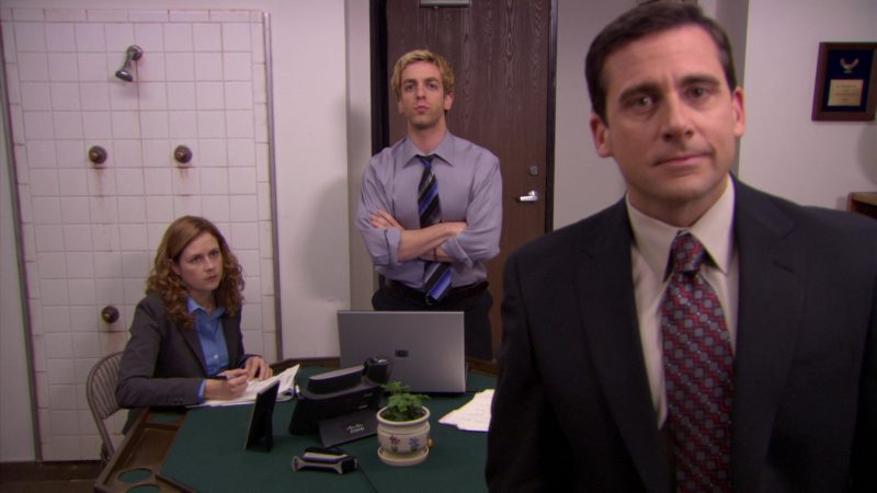 """Cisco Phone and HP Laptop in The Office – Season 5, Episode 24, """"Heavy Competition"""" (2009) - TV Show Product Placement"""