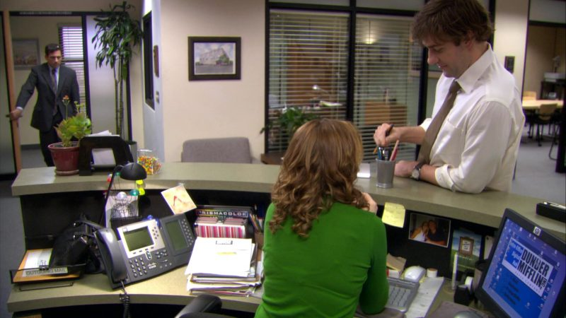 "Cisco Phone, HP Monitor and Prismacolor Used by Jenna Fischer (Pam Beesly) in The Office – Season 4, Episode 15, ""Night Out"" (2008) TV Show Product Placement"