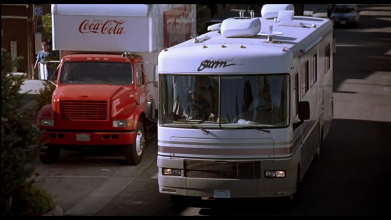 Coca-Cola Truck & Fleetwood Southwind Storm Motorhome in Beethoven's 3rd (2000) - Movie Product Placement
