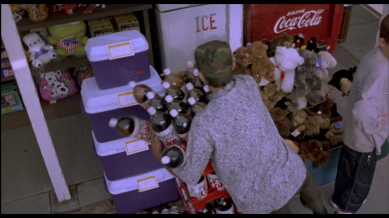 Coca-Cola and Diet Coke in Beethoven's 3rd (2000) - Movie Product Placement