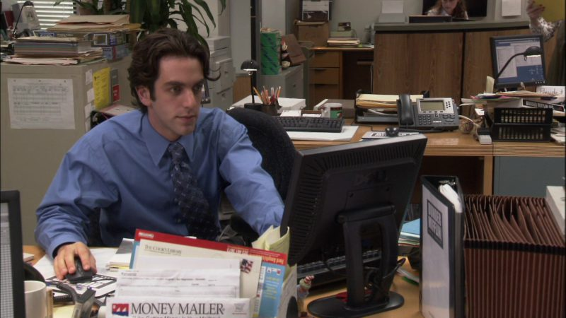 "Dell Computer Monitor Used by B. J. Novak (Ryan Howard) in The Office - Season 1, Episode 6, ""Hot Girl"" (2005) TV Show Product Placement"