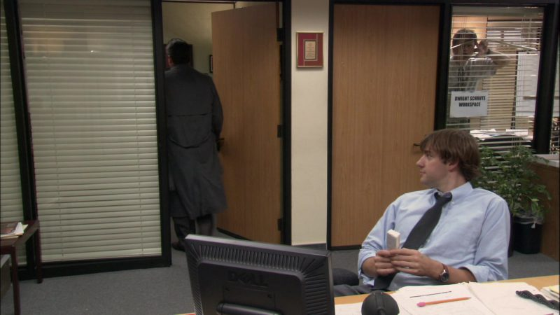 """Dell Computer Monitor Used by John Krasinski (Jim Halpert) in The Office - Season 1, Episode 3, """"Health Care"""" (2005) TV Show Product Placement"""