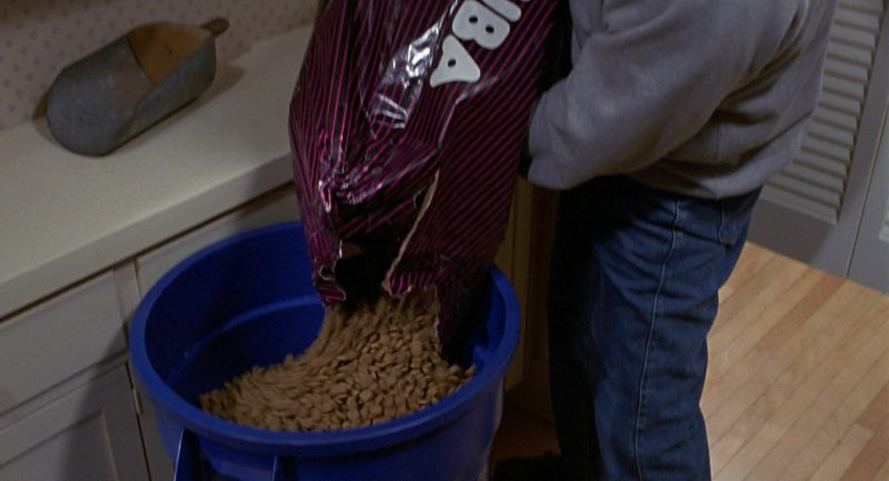 Eukanuba Dog Food in Beethoven (1992) - Movie Product Placement