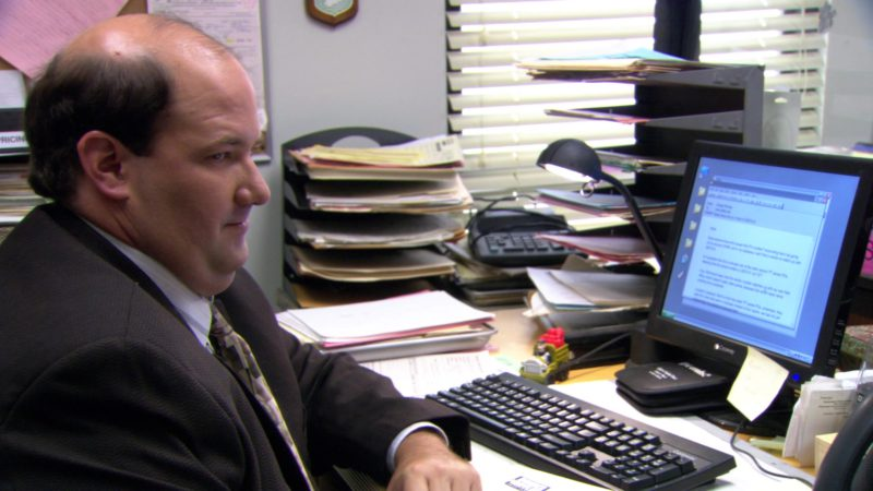 """Gateway Computer Monitor Used by Brian Baumgartner (Kevin Malone) in The Office – Season 3, Episode 1, """"Gay Witch Hunt"""" (2006) - TV Show Product Placement"""