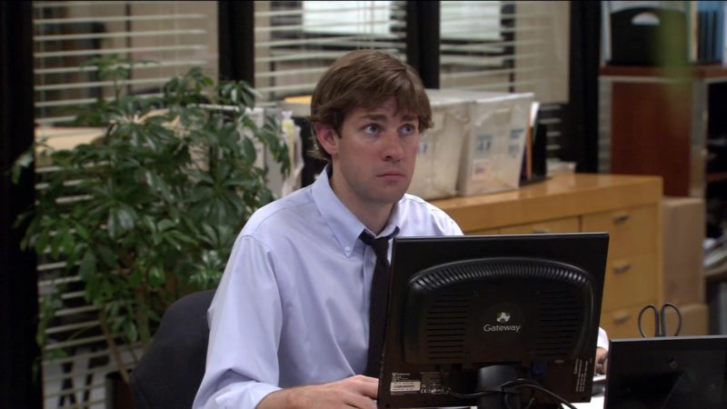 """Gateway Computer Monitor Used by John Krasinski (Jim Halpert) in The Office – Season 2, Episode 21, """"Conflict Resolution"""" (2006) - TV Show Product Placement"""