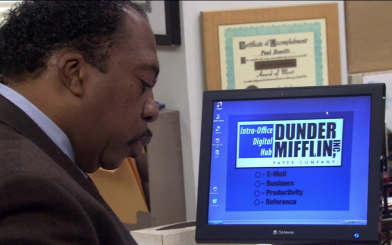 Gateway Monitor Used by Leslie David Baker (Stanley Hudson) in The Office – Season 2, Episode 17