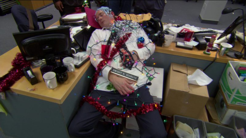 """Gateway Monitor in The Office – Season 2, Episode 10, """"Christmas Party"""" (2005) - TV Show Product Placement"""