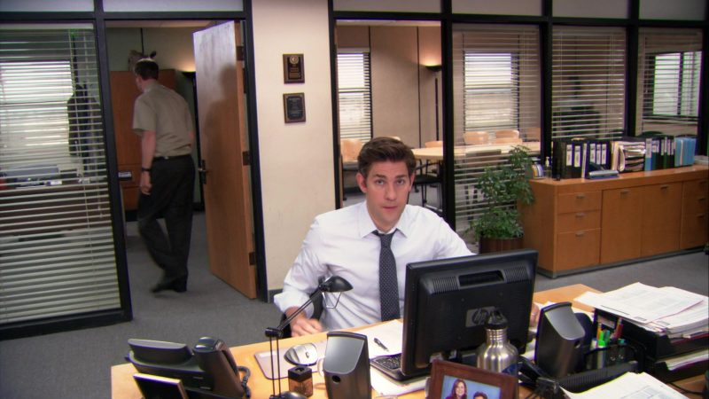 """HP Computer Monitor Used by John Krasinski (Jim Halpert) in The Office – Season 9, Episodes 22-23, """"A.A.R.M."""" (2013) TV Show Product Placement"""