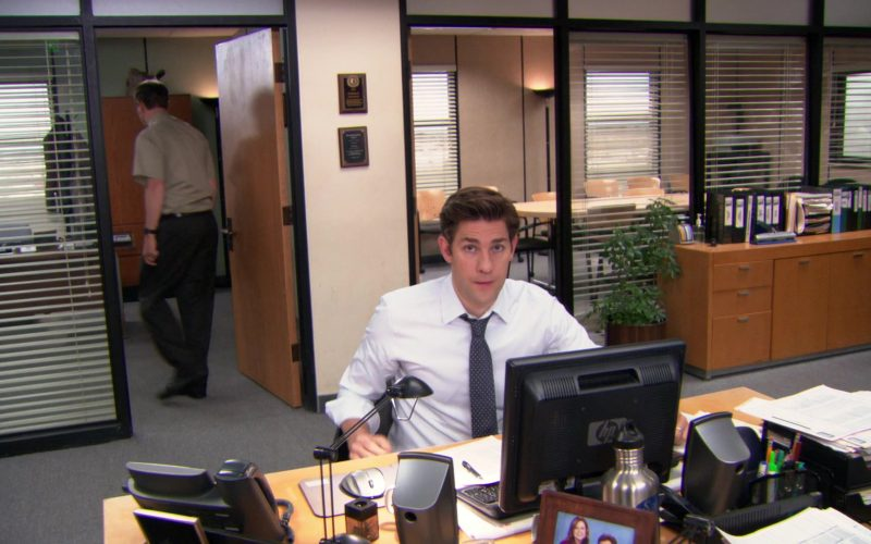 HP Computer Monitor Used by John Krasinski (Jim Halpert) in The Office
