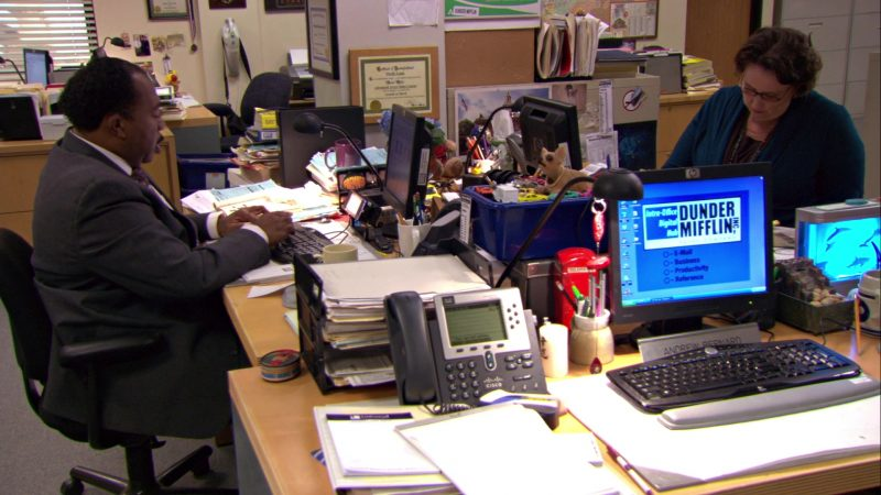 """HP Computer Monitors and Cisco Phone in The Office – Season 5, Episode 12, """"The Duel"""" (2009) TV Show Product Placement"""