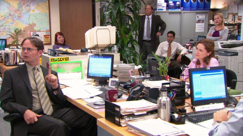 "HP Computer Monitors & Froggy 101 Radio Station Yellow Sticker in The Office – Season 9, Episode 9, ""Dwight Christmas"" (2012) - TV Show Product Placement"