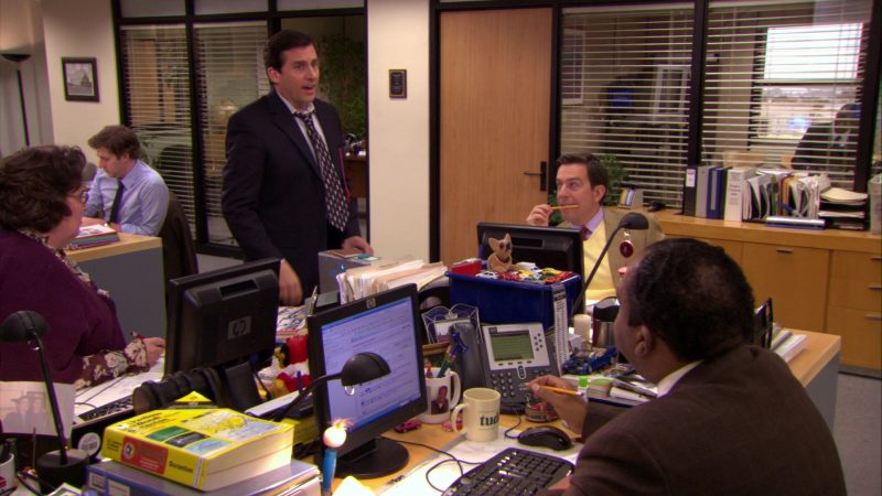 "HP Computer Monitors in The Office – Season 5, Episode 21, ""Two Weeks"" (2009) - TV Show Product Placement"