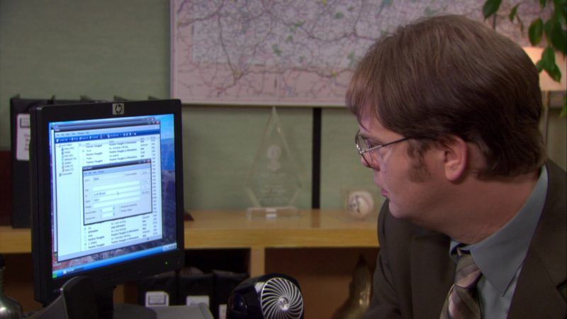 """HP Monitor Used by Steve Carell (Michael Scott) & Rainn Wilson (Dwight Schrute) in The Office – Season 6, Episode 16, """"The Manager and the Salesman"""" (2010) TV Show Product Placement"""