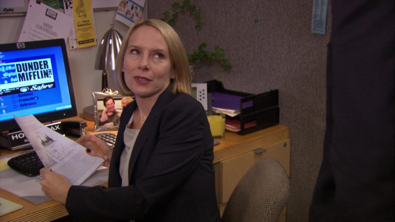 "HP Monitor Used by Amy Ryan (Holly Flax) in The Office – Season 7, Episode 13, ""Ultimatum"" (2011) - TV Show Product Placement"