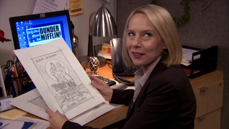 "HP Monitor Used by Amy Ryan (Holly Flax) in The Office – Season 7, Episode 17, ""Threat Level Midnight"" (2011) - TV Show Product Placement"