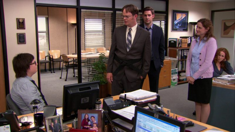 "HP Monitor Used by Clark Duke (Clark Green) in The Office – Season 9, Episode 21, ""Livin' the Dream"" (2013) - TV Show Product Placement"