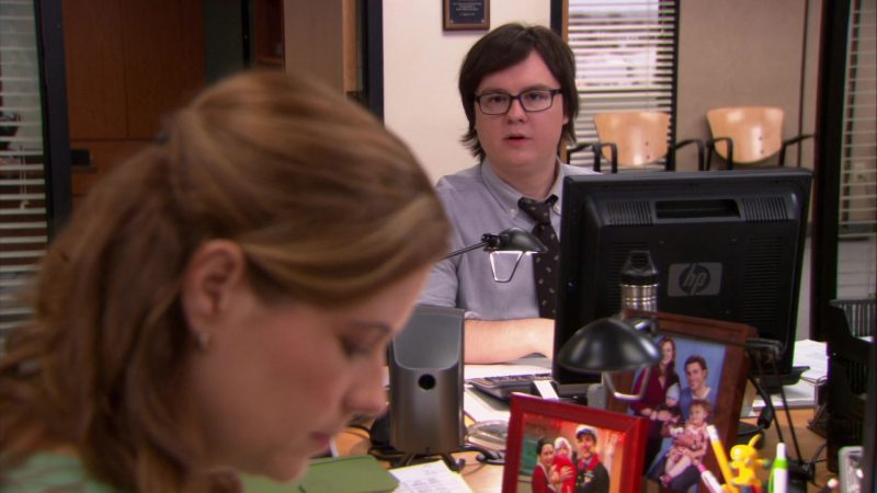 "HP Monitor Used by Clark Duke (Clark Green) in The Office – Season 9, Episode 13, ""Junior Salesman"" (2013) - TV Show Product Placement"