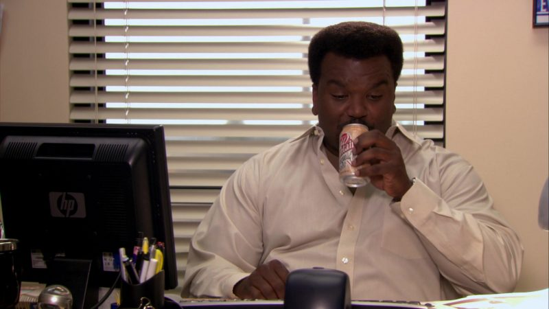 """HP Monitor Used by Craig Robinson (Darryl Philbin) and Wegmans Fountain Cream Soda Can in The Office – Season 8, Episode 1, """"The List"""" (2011) - TV Show Product Placement"""