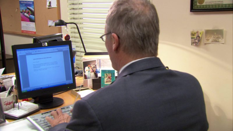 """HP Monitor Used by Creed Bratton in The Office – Season 3, Episodes 24-25, """"The Job"""" (2007) TV Show"""