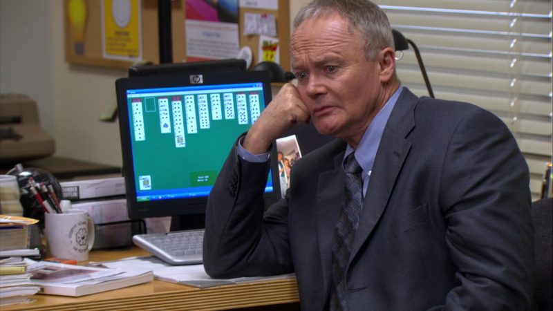 "HP Monitor Used by Creed Bratton in The Office – Season 4, Episode 14, ""Chair Model"" (2008) TV Show Product Placement"