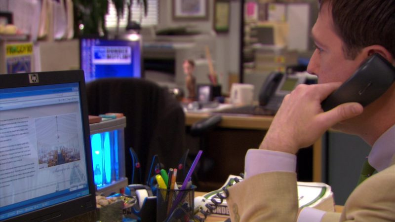 "HP Monitor Used by Ed Helms (Andy Bernard) in The Office – Season 5, Episode 7, ""Customer Survey"" (2008) - TV Show Product Placement"