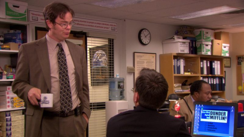 """HP Monitor Used by Ed Helms (Andy Bernard) in The Office – Season 5, Episode 23, """"Michael Scott Paper Company"""" (2009) TV Show Product Placement"""